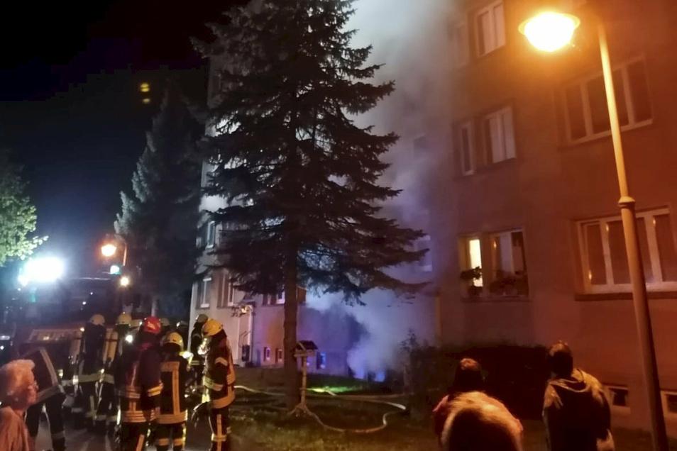 Nach dem Brand in der Nacht zum 9. September standen die Bewohner des Wohnblocks buchstäblich auf der Straße.