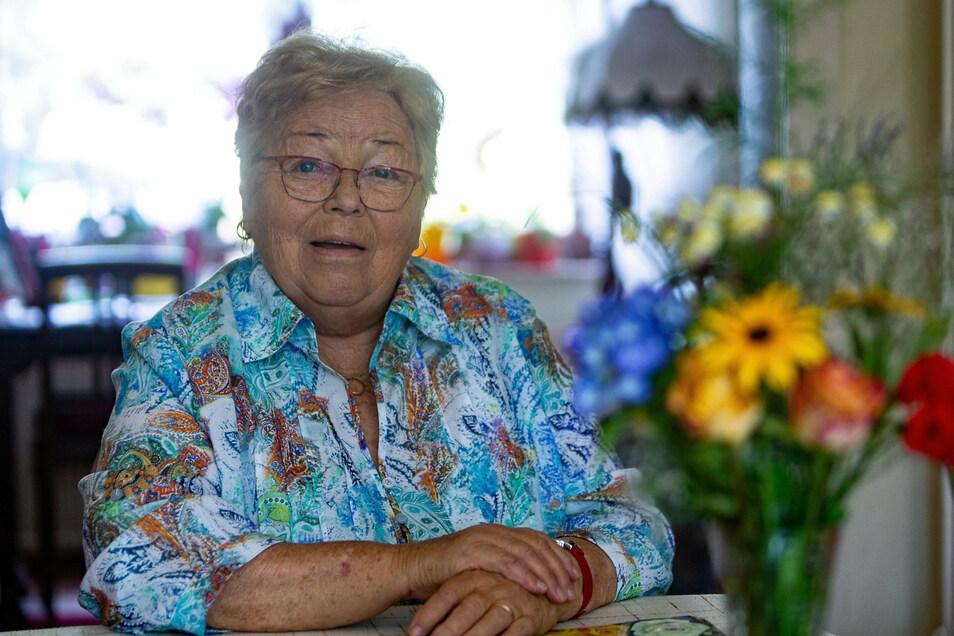 Susanne Beger erinnert sich an ihre Schuleinführung 1945 in Seifersdorf, eine Zeit, die man sich heute kaum noch vorstellen kann..