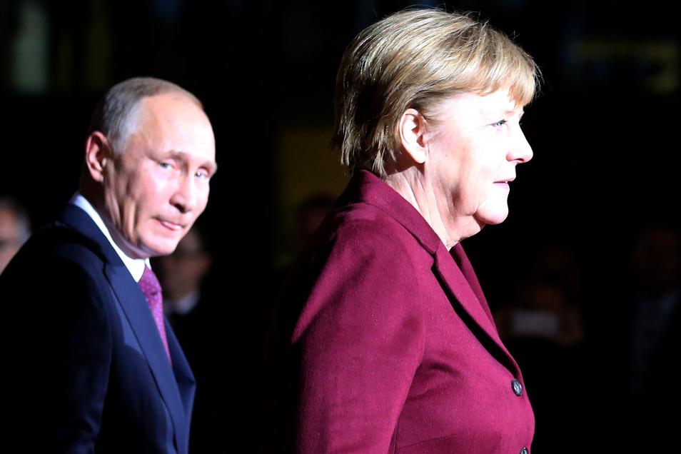 Blitzbesuch in Moskau: Wegen der aktuellen Lage trifft Merkel Putin zu Gesprächen