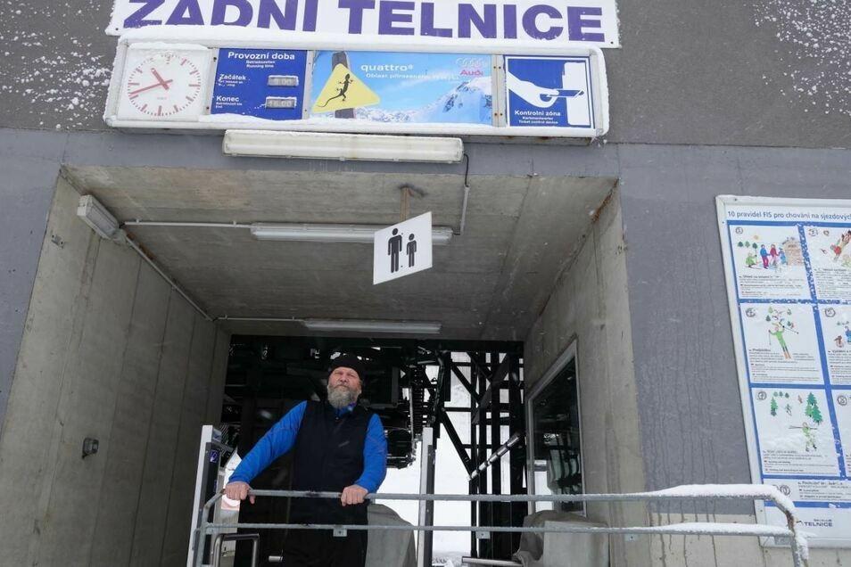 Tschechiens Lifte stehen wohl auch am kommenden Wochenende still. Ivan Soukup bangt um das Weiterbestehen des Skigebiets in Zadní Telnice (Hintertellnitz).