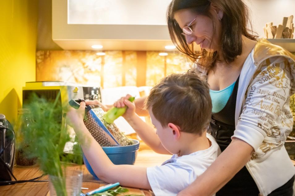 Die Küche ist und bleibt der Mittelpunkt in jedem Zuhause: Jetzt gibt es bei XXL KÜCHEN ASS besonders attraktive Angebote zum 25-jährigen Firmenjubiläum.