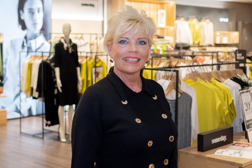 Sylvia Schulz, Geschäftsleiterin von SiNN in Dresden, kennt die Trends für den Herbst und empfiehlt: Es darf munter kombiniert werden.