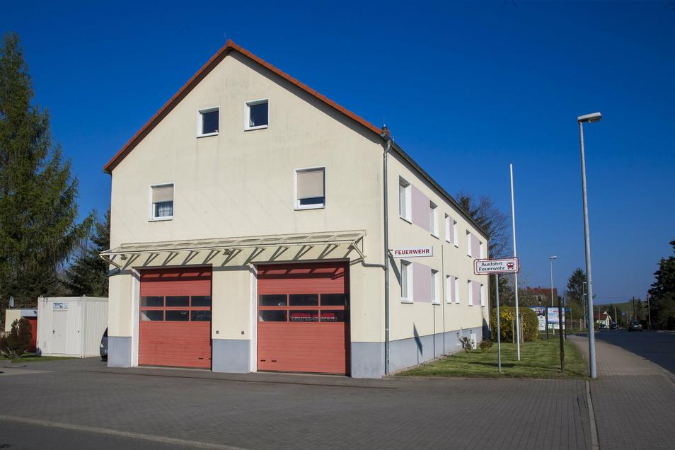 Das alte Feuerwehrgerätehaus in Possendorf soll jetzt umgebaut und in diesem Zuge erweitert werden.