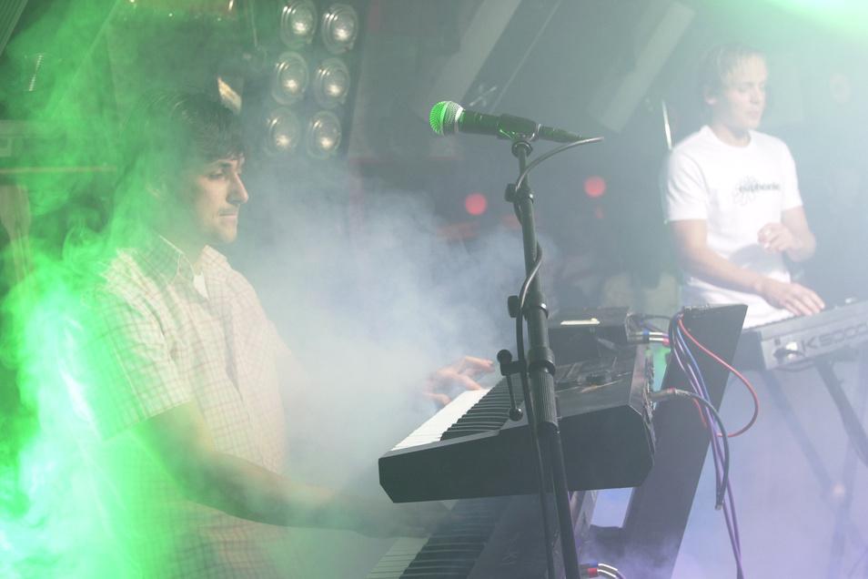 Kyau & Albert bei der Arbeit, hier in Vor-Corona-Zeiten in einem Club in Dresden.