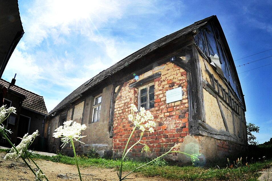 Weil der Erhalt des Scharfrichterhauses unter den Bedingungen des Denkmalschutzes kaum möglich war, zerfiel das Gebäude seit 1975 zusehends.