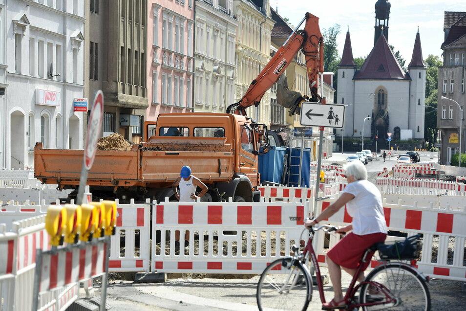 Auf der Äußeren Weberstraße soll 2021 weiter gebaut werden - es sollen Abwasserkanäle erneuert werden.