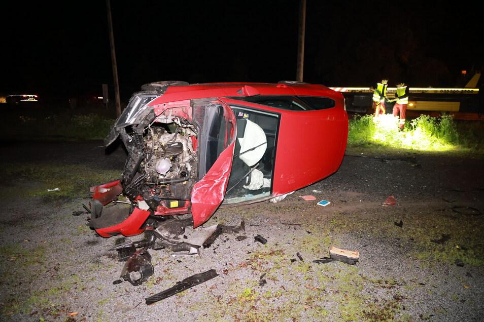 Glück im Unglück: Ein 26-Jähriger wurde bei einem Unfall in Dohna nur leicht verletzt. Am Auto entstand Totalschaden.
