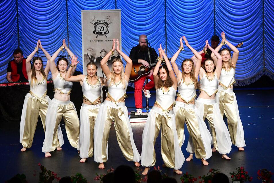 Viel Beifall bekamen die Tänzerinnen des TSC Löbau für ihre Beiträge.
