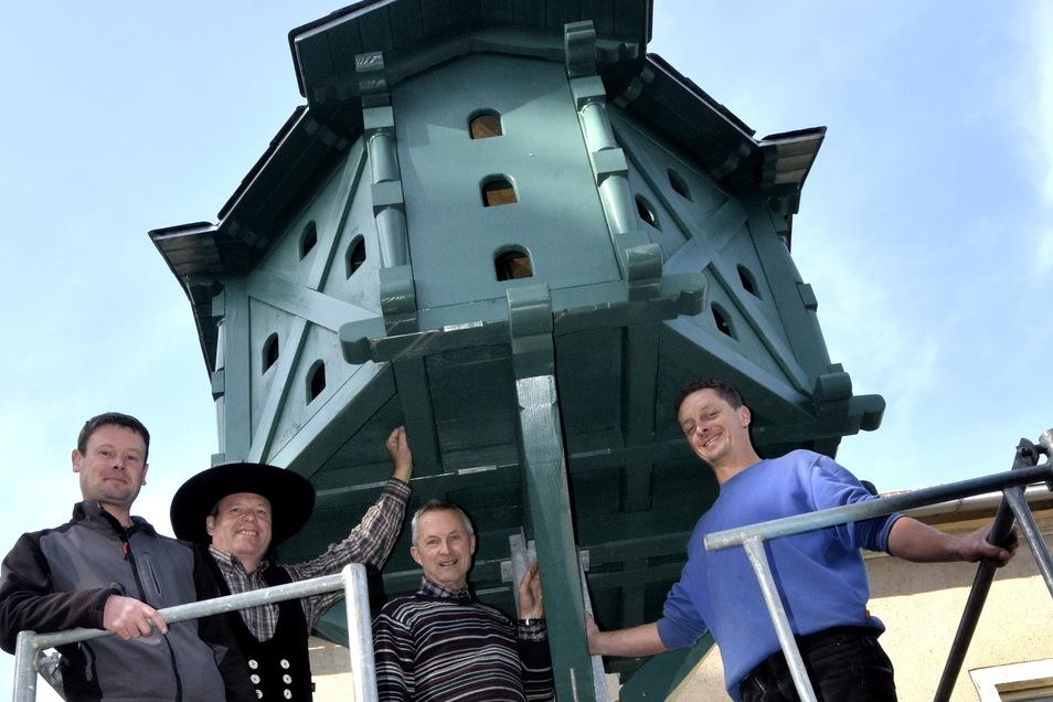 Auch das Herrenhaus Oelsnitz in der Gemeinde Lampertswalde ist am Denkmalstag geöffnet. Joachim Rothe und weitere Mitglieder vom Heimatverein Oelsnitz heißen Interessenten zu einem Hausrundgang willkommen. Auch das restaurierte Taubenhaus wird vorgestellt. Es wurde 2017 wieder aufgestellt. Für Besucher gibt's Kaffee und Gebäck. Geöffnet: 14 bis 17 Uhr