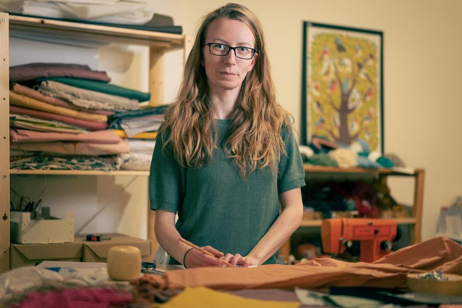 Sarah Wagner schneidert gern – inzwischen in ihrem eigenen kleinen Laden in der Dresdner Neustadt.