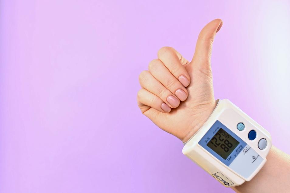 Nach dem Rückruf der Blutdrucksenker und monatelangen Versorgungsengpässen sind valsartanhaltige Arzneimittel wieder auf dem Markt.