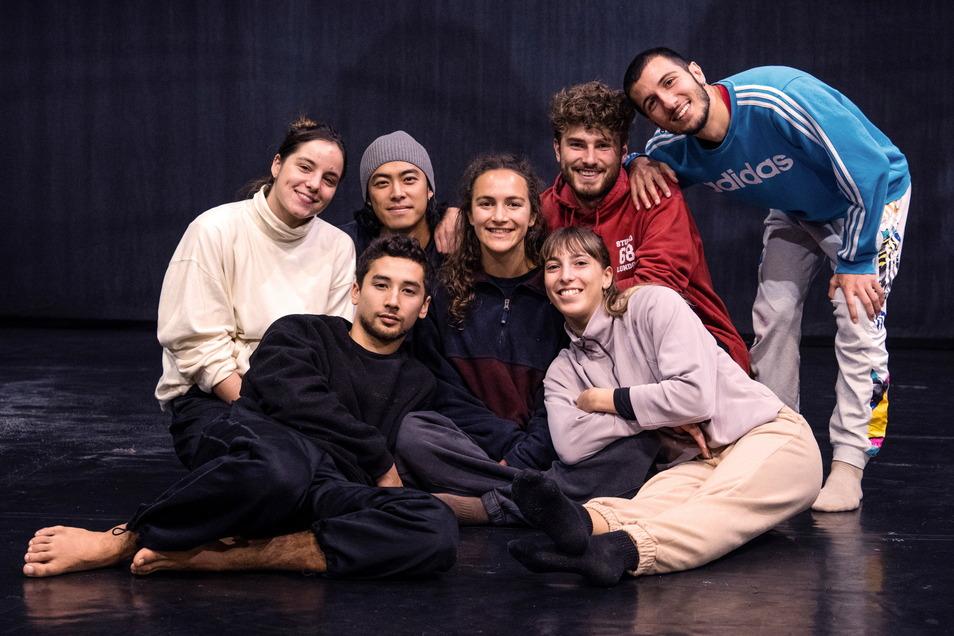 Das sind die sieben neuen Tänzer des Görlitzer Ballettensembles.