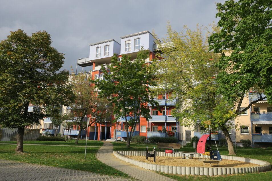 Kinderspielplätze lockern das Wohngebiet, wo derzeit 4.300 Coswiger leben, auf.