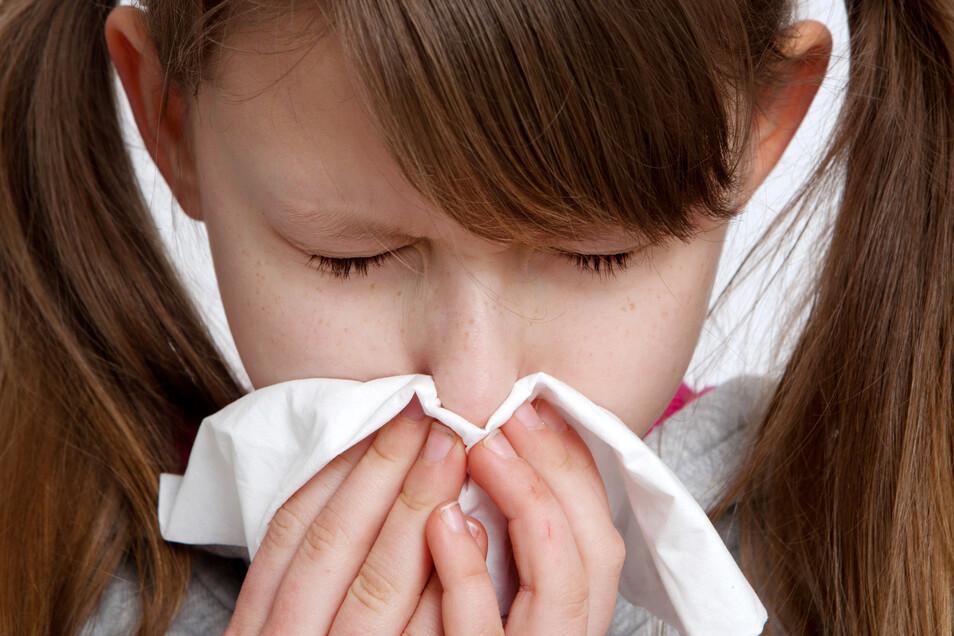 Generalverdacht: Ist das nur eine leichte Erkältung oder vielleicht doch Corona? Diese Frage beschäftigt nicht nur den Erkrankten, sondern auch alle anderen.