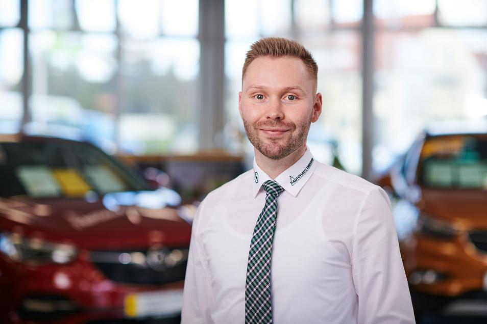 Manuel Schreiter leitet die Verkaufsgeschicke im Autohaus Dresden.