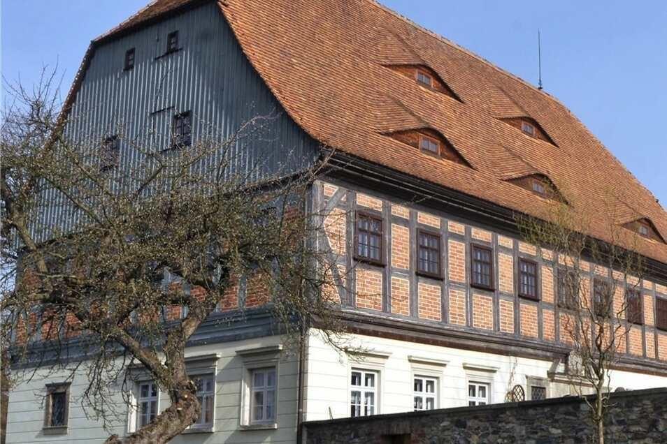Der Faktorenhof in Eibau beherbergt das Heimatmuseum und die Tourist-Information.