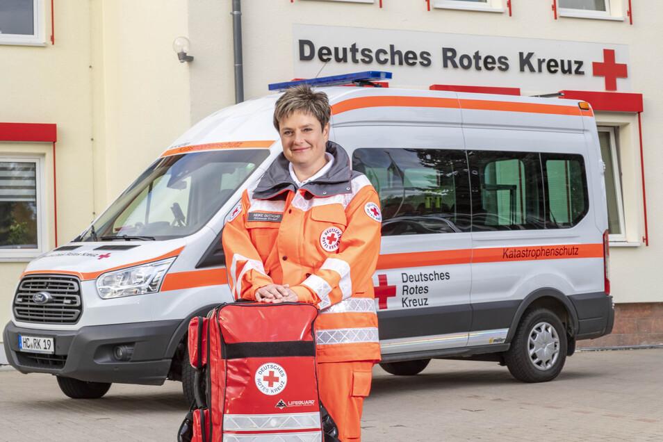 Heike Dutscho wird für ihre ehrenamtliche Arbeit ausgezeichnet.