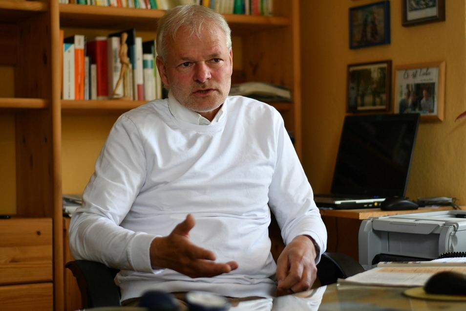 Dr. Stefan Thiel: Die Arbeit als Arzt und Stadtrat lässt sich zeitlich nicht mehr vereinbaren.