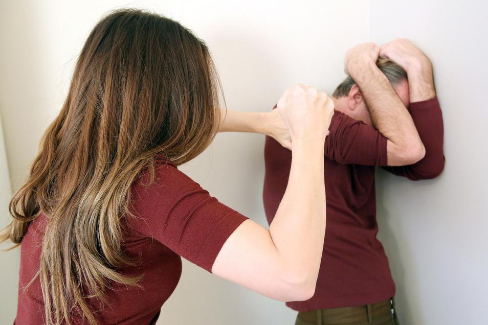 Was häufig tabuisiert wird, ist tatsächlich ein Problem: Auch viele Männer erleben häusliche Gewalt oder wurden als Kind sexuell missbraucht. Immer mehr lassen sich von der Bautzener Opferhilfe beraten.