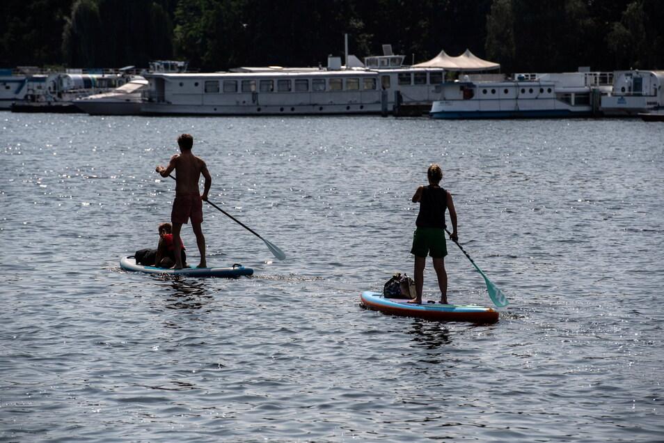 Stand Up-Paddeln wird immer beliebter. Aber auch diese Sportler müssen auf dem Wasser Regeln beachten.