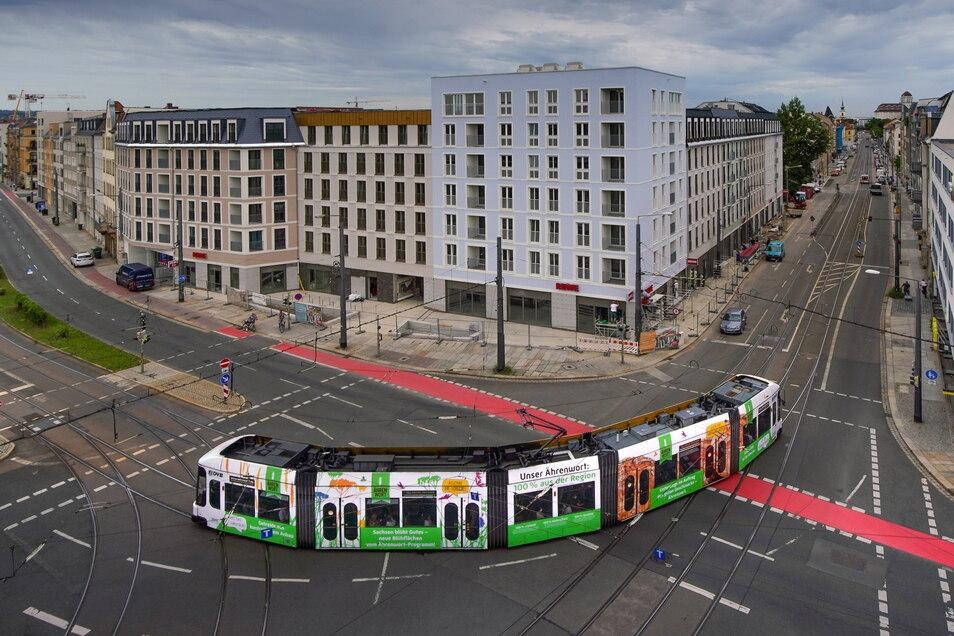 Die Gerüste am neuen Gebäudekomplex an der Friedrichstraße sind verschwunden, ab Oktober werden die mehr als 120 neuen Wohnungen vermietet.