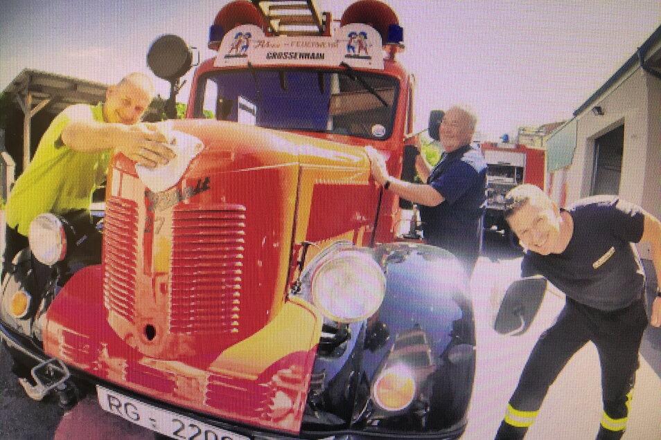 Die Atze-Feuerwehr kann Franks Fahrzeug leider nicht ersetzen.