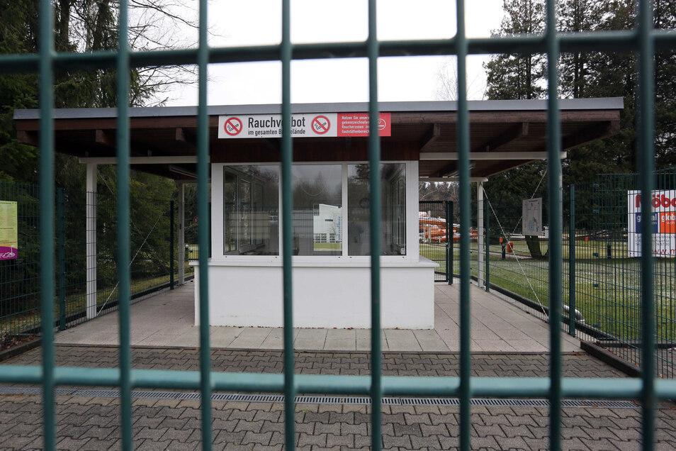 Nach zwei Einbrüchen ins Großröhrsdorfer Massenei-Bad setzt die Stadt auf neue Sicherheitstechnik. Die Vorbereitungen für die neue Badesaison haben bereits begonnen.