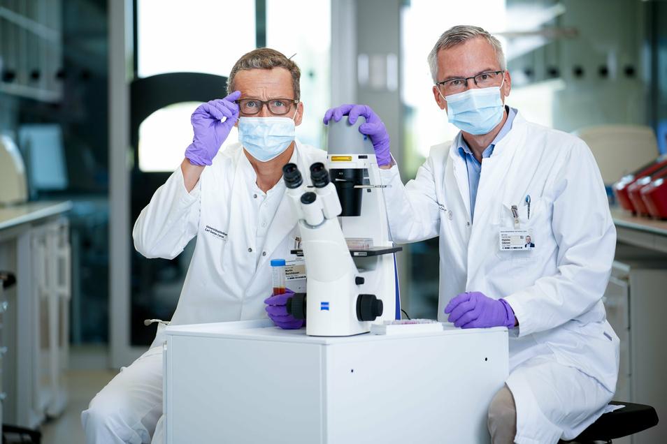 Prof. Martin Bornhäuser und Prof. Hanno Glimm vom Universitätsklinikum Dresden.