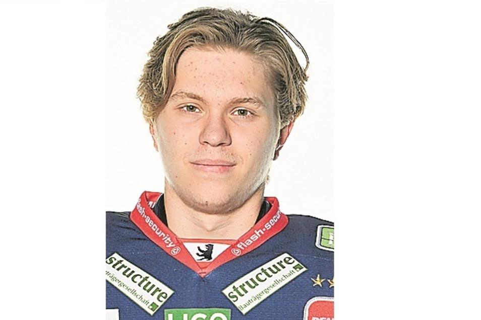 Tobias Ancicka:Nr. 45, Torwart, geb. 27.2.01 in Heilbronn, 1,86 m/82 kg, Profispiele: 2, Förderlizenz, Vereine: Eisbären Jun. Berlin, Lukko U20 (Fin)