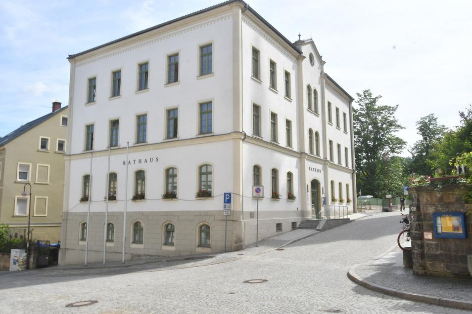 Rathaus Sebnitz: Investitionen sind wieder möglich.