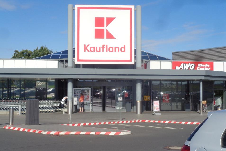 Tatort Kaufland: Sonst bei den Großenhainern und Bewohnern der Umgebung sehr beliebt, der Einkaufsmarkt auf der Riesaer Straße.