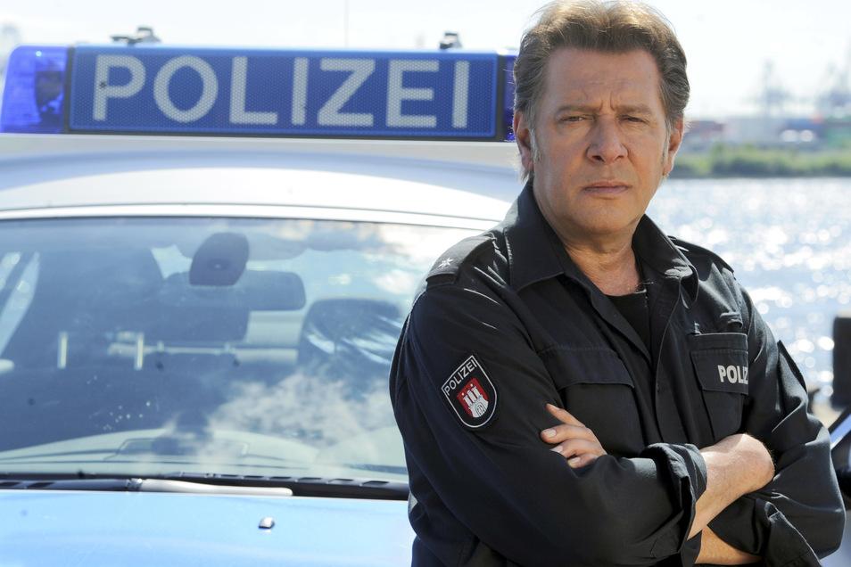 """Jan Fedder, der vor allem als Polizist im """"Großstadtrevier"""" bekannt wurde, war im Alter von 64 Jahren in Hamburg gestorben."""