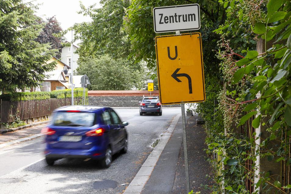Der Verkehr wird wegen der Ringsperrung über die Neue Straße umgeleitet.