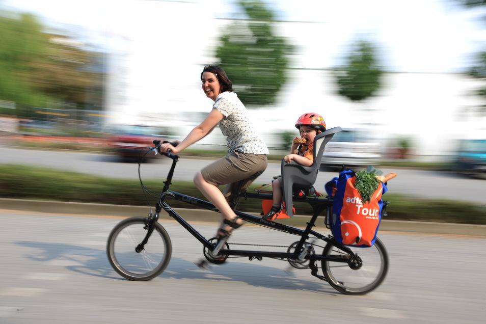 Mit einem ordentlichen Kindersitz steht einer Fahrradtour mit Kind nichts im Wege.