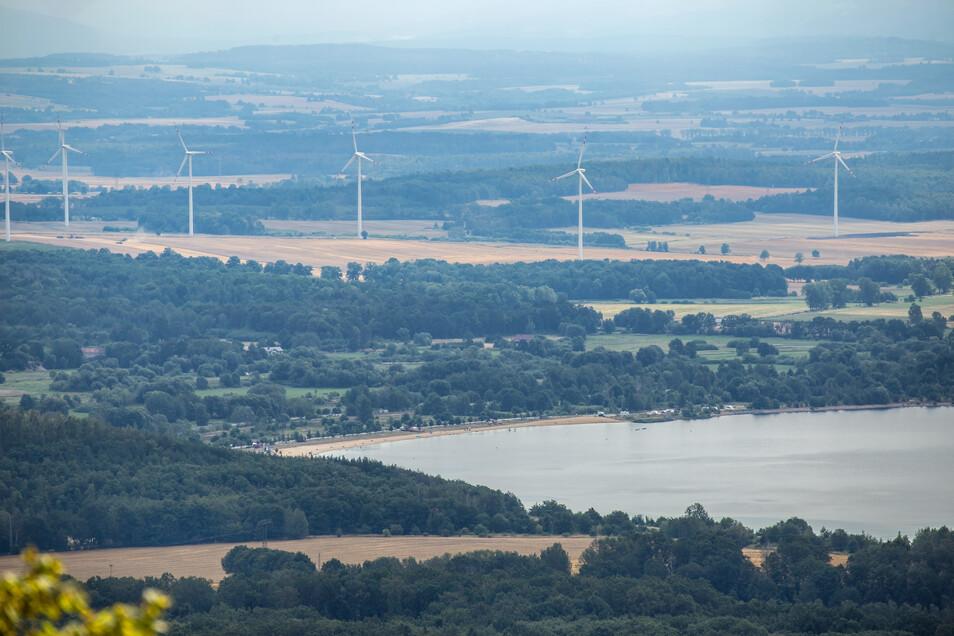 Blick von der Landeskrone in Richtung Berzdorfer See und Nordstrand.