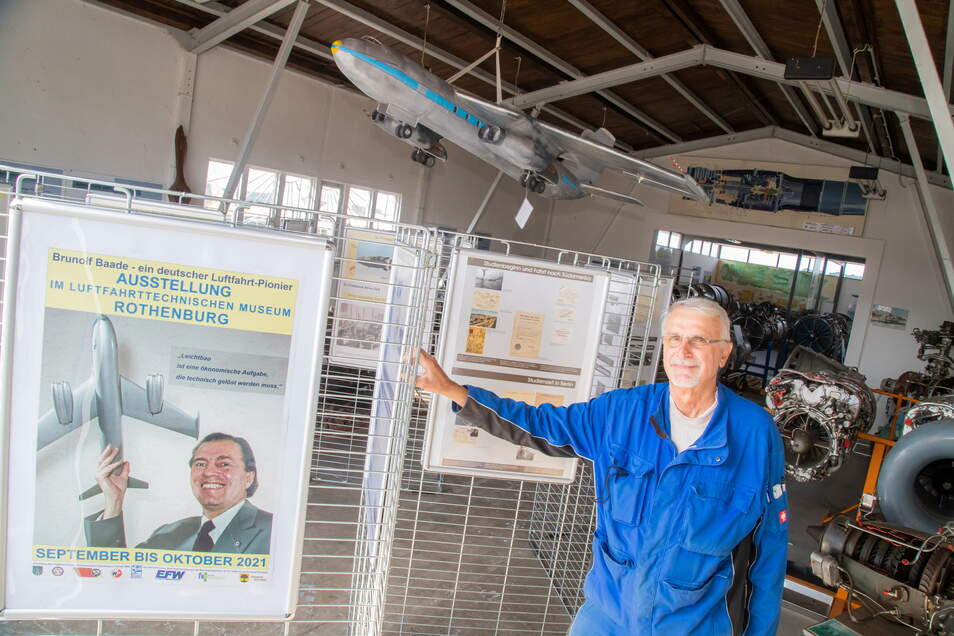 Eine Sonderausstellung über den Konstrukteur Brunolf Baade ist Herzstück des diesjährigen Museumstages am 11. und 12. September. Reinhard Röhle erläutert Besuchern dann die Verbindung, die seit vielen Jahren zwischen Rothenburg und den Dresdner Flugzeugwe