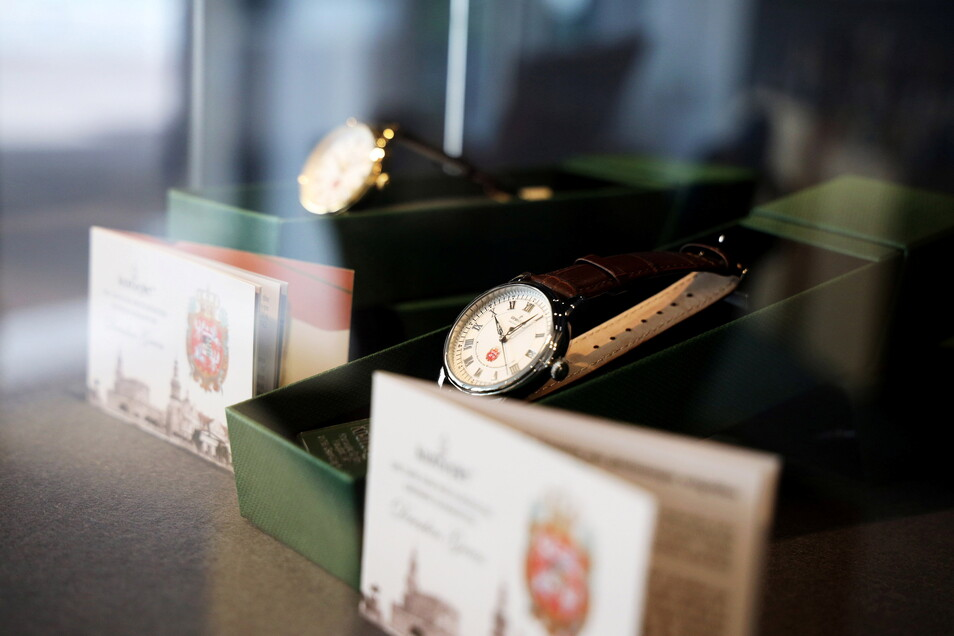 Uhren aus Glashütte befinden sich auch im Sortiment.