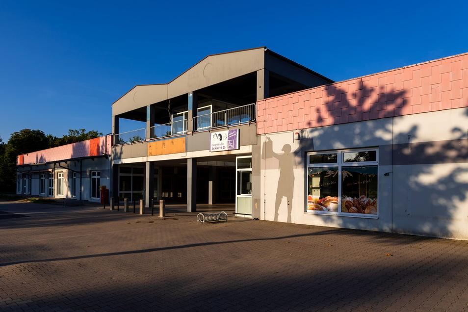 Das ehemalige Einkaufscenter an der Maxim-Gorki-Straße in Neustadt ist leer geräumt.