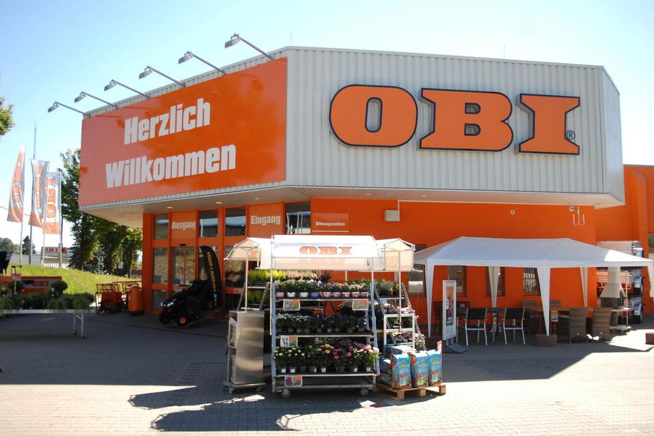 Während die Baumarkt-Abteilung geschlossen ist, bleibt das Gartencenter des Zittauer OBI-Marktes weiter geöffnet.