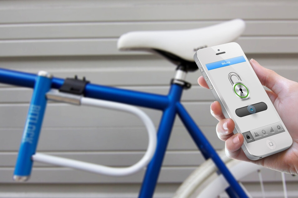 Dieses dicke Bügelschloss lässt sich per Smartphone öffnen und verriegeln.