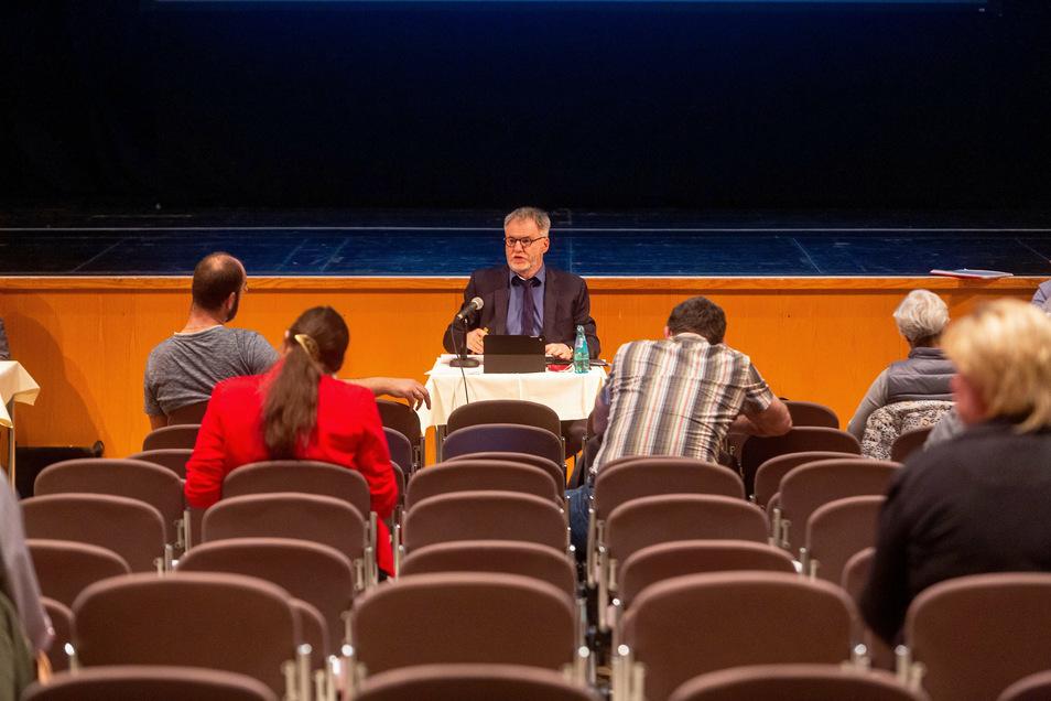 Aufgrund der Pandemie tagte der Freitaler Stadtrat seit dem Frühjahr im Kulturhaus.