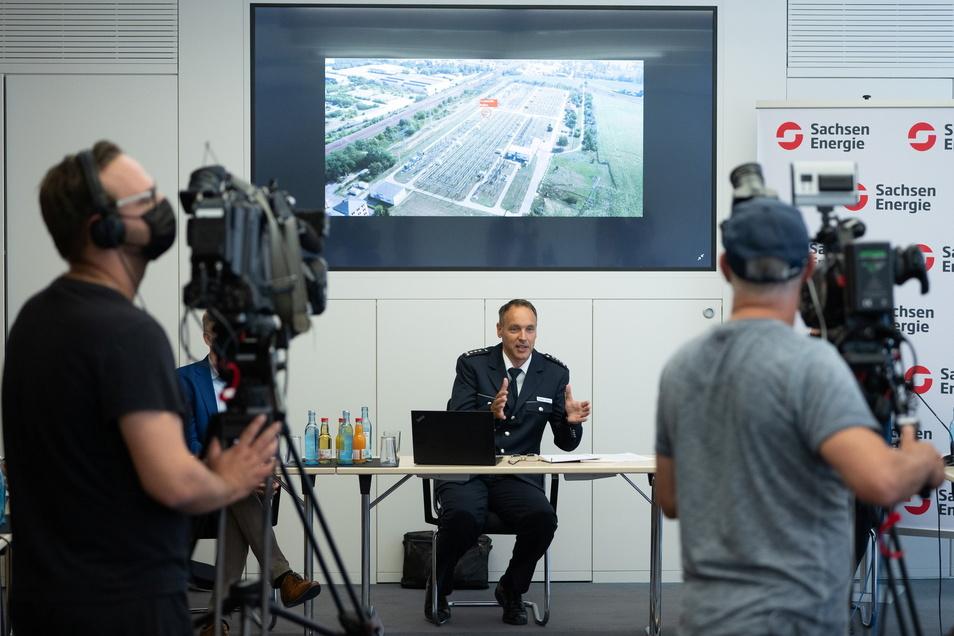 Polizei, Feuerwehr und Sachsen-Energie haben am Dienstagmittag weitere Details zum großen Stromausfall am Montag bekanntgegeben.