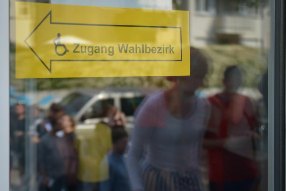 Bei Wahlen in Dresden werden rund 4.500 Helfer benötigt, viele steigen wieder aus.