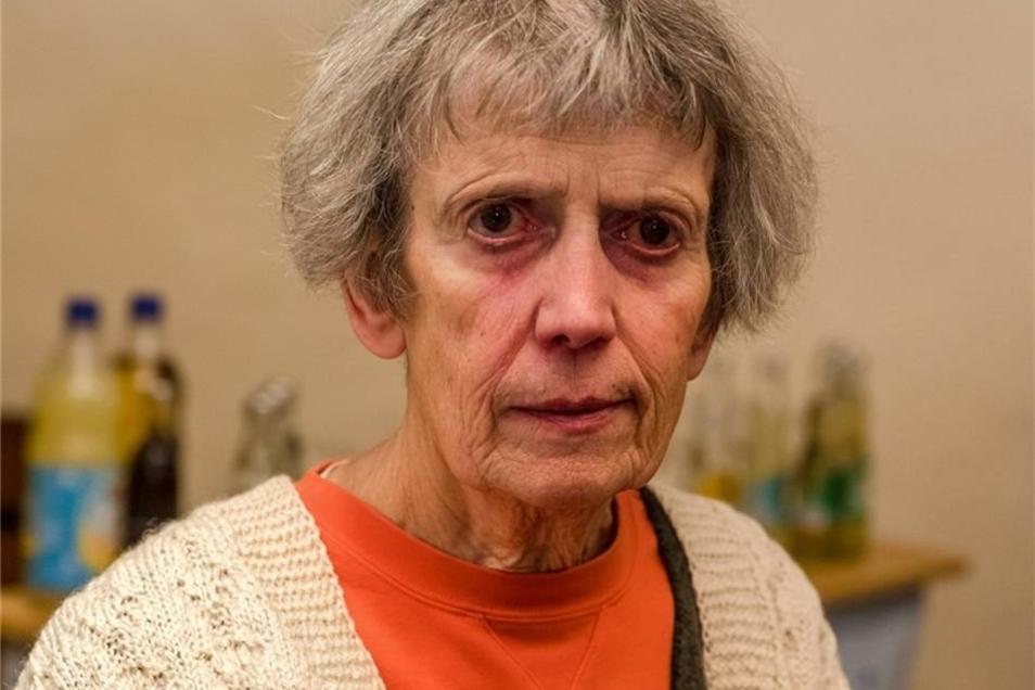 Gudrun Walter  Sie sieht nicht mehr gut, aber ihr Geist ist hellwach. Gudrun Walter war von 1990 bis 2004 für Bündnis 90/Grüne im Dohnaer Stadtrat. Sie wohnt heute in Dresden, engagiert sich noch immer für und in Georgien und freute sich, Mitstreiterin Edelgard Risse zu treffen. Und wenn es um Flächennutzungspläne geht, weiß sie noch immer Bescheid.