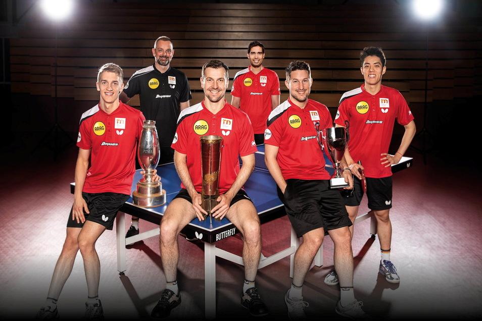 Kurz vor Weihnachten kommen die Tischtennis-Profis von Borussia Düsseldorf nach Döbeln. Von links: Anton Källberg, Trainer Danny Heister, Timo Boll, Kamal Achanta, Kristian Karlsson, Dang Qiu.