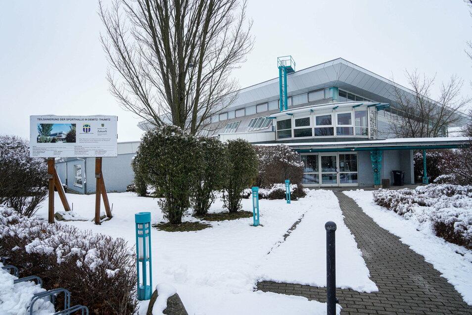 Das Sport- und Freizeitzentrum in Demitz-Thumitz soll energetisch saniert und umgebaut werden.