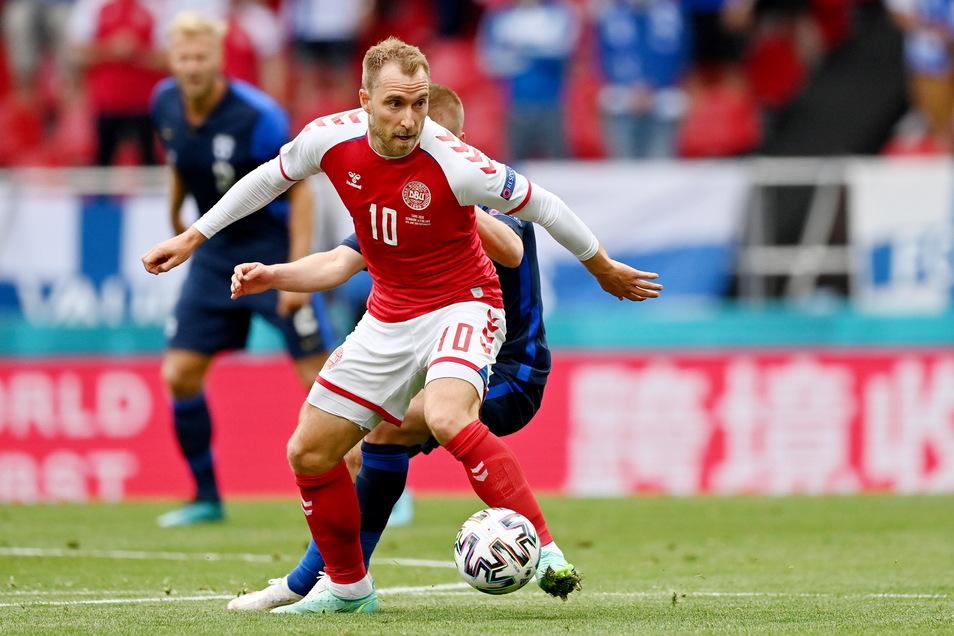 Il danese Eriksen è caduto sull'erba durante la partita contro la Finlandia all'inizio degli Europei di Copenaghen a giugno e ha dovuto essere rianimato.