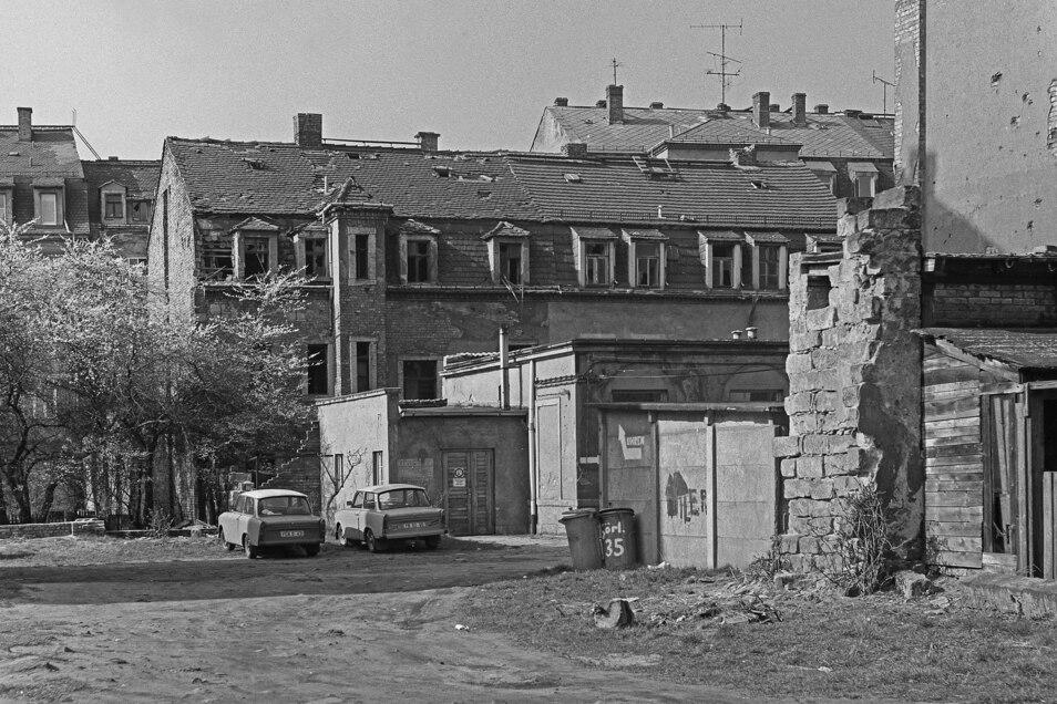 Verfall prägt das Bild in der Neustadt, so auch in diesem Hinterhof an der Görlitzer Straße.