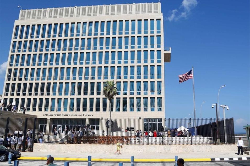 Die Regierung in Washington reagierte mit dem Rückzug auf Erkrankungen mehrerer Botschaftsmitarbeiter an den Ohren, hinter denen sie gezielte Angriffe vermutet.