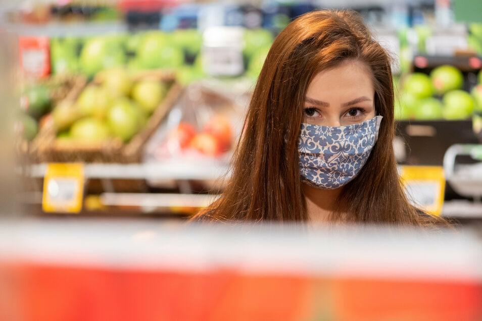 Die Maskenpflicht bleibt in Sachsen auch weiterhin bestehen.